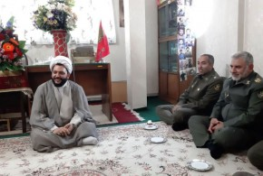 فرمانده پادگان آموزشی جنگال جنوب تهران با امام جمعه باقرشهردیدارکرد