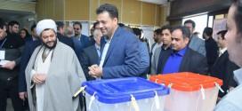 بازدید امام جمعه محترم باقرشهر وکهریزک از حوزه های برگزاری انتخابات